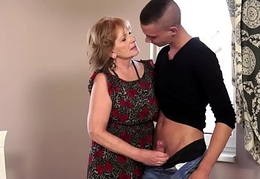 Cockriding grandma gets jizzed in mouth
