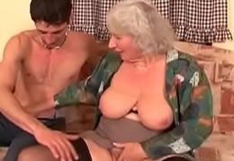 Cum On Hand in glove MILF 22